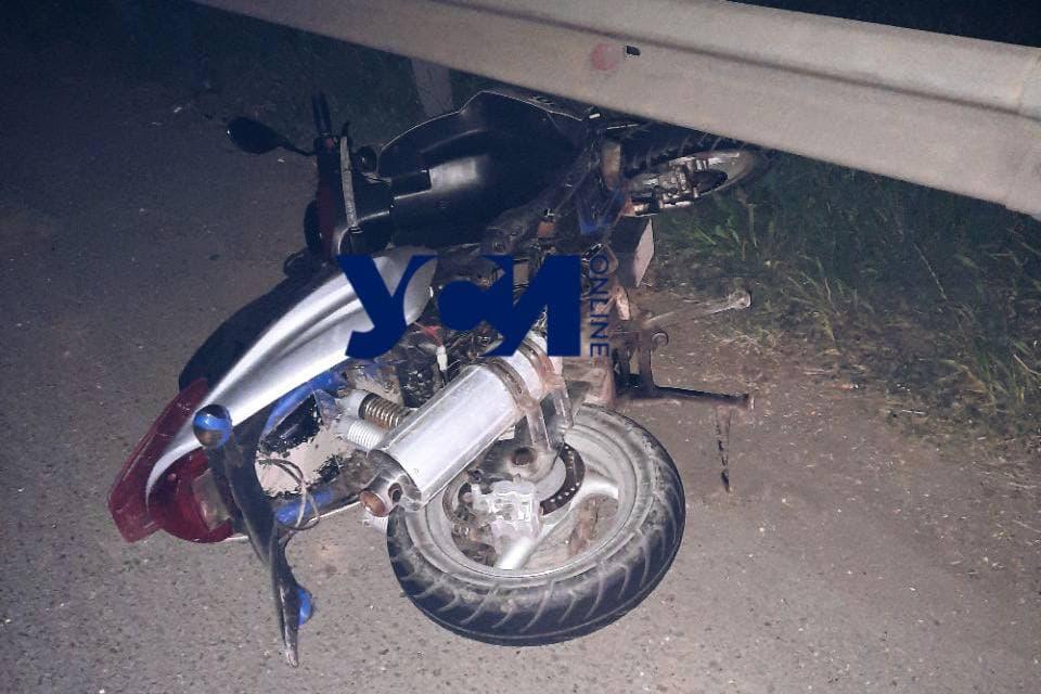 Смертельная авария: на Клеверном мосту разбился мопедист (фото) «фото»