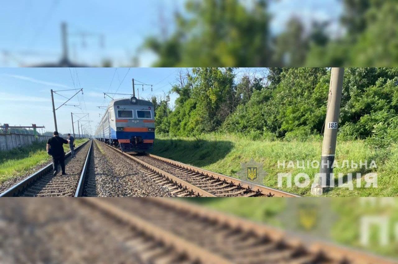Женщина прыгнула под поезд на станции под Одессой «фото»