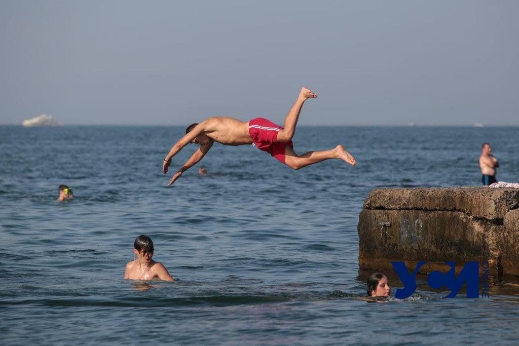 Пик жары в Одессе: как горожане спасаются от палящего солнца (фото) «фото»