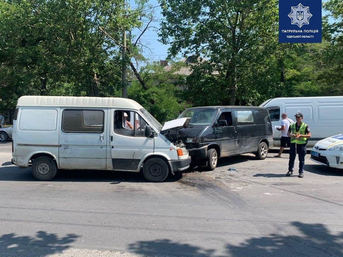 ДТП с участием четырех машин на Грушевского: столкнулись из-за автокрана «фото»