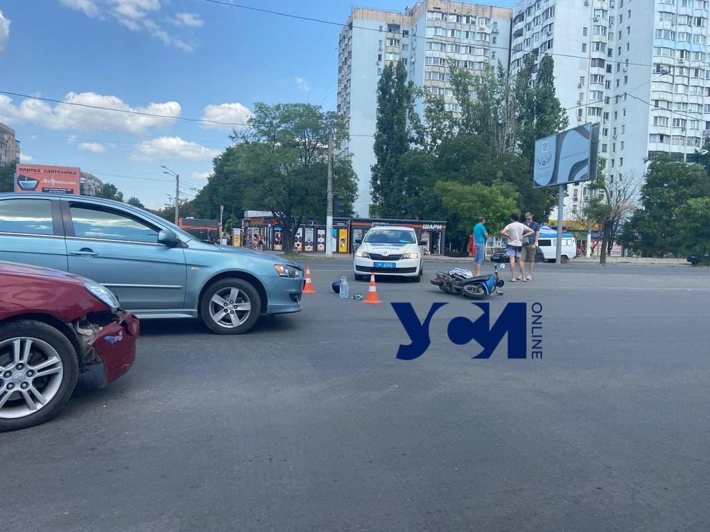 На поселке Котовского сбили мопедиста (фото) «фото»