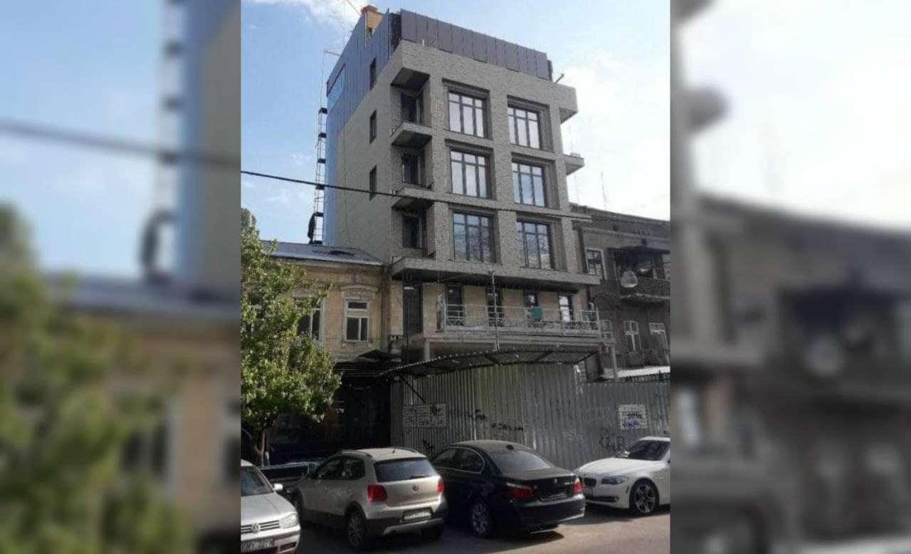 У нахалстроя на Ришельевской появился новый собственник – демонтаж откладывается «фото»