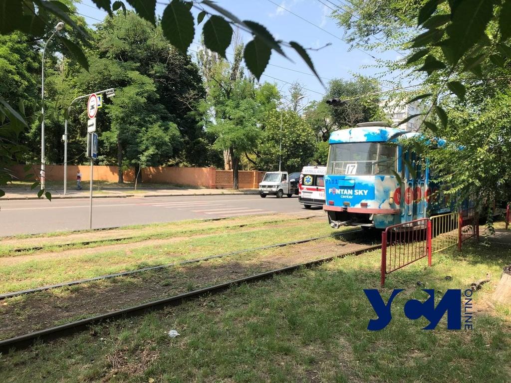 На Фонтане пешехода сбил трамвай (фото) «фото»