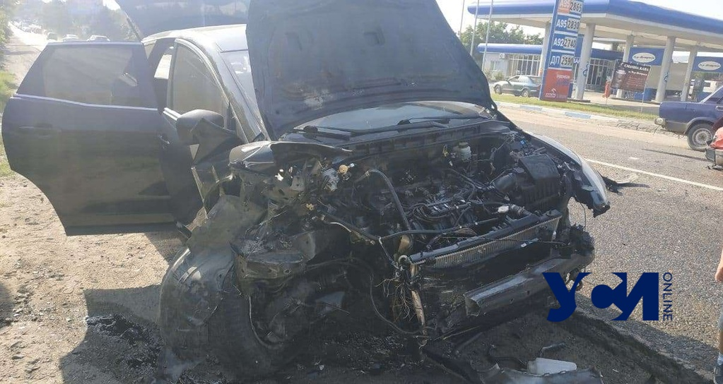 Возле «Двух столбов» столкнулись 4 авто: есть пострадавшие (фото) «фото»