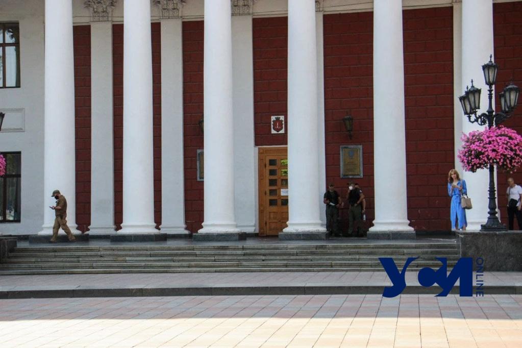 Казначейство подвело: Одесса не может вовремя расплатиться с подрядчиками «фото»