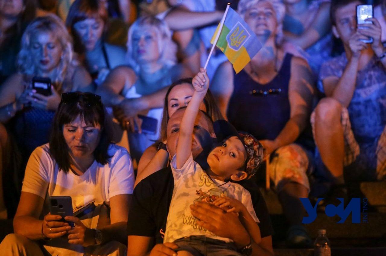 Тысячи одесситов собрались на концерте ко Дню Независимости (фото, видео) «фото»
