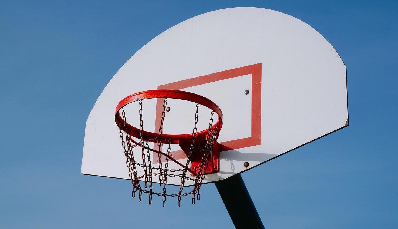 Возле 51-й школы отремонтируют баскетбольную площадку за 1,4 миллиона «фото»