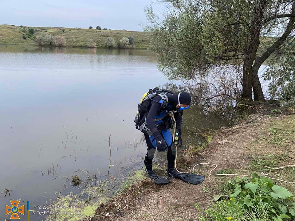 Спасатели обнаружили тело мужчины в ставке одного из сел Одесской области (фото) «фото»