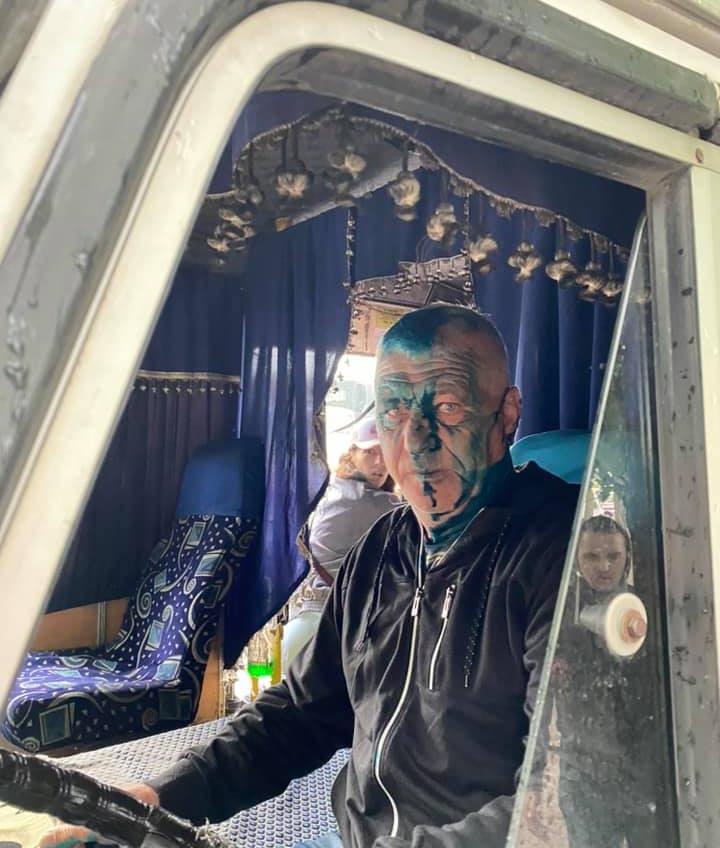 Не хотел везти ветерана бесплатно: активисты облили зеленкой водителя маршрутки Одесса-Черноморск (фото) «фото»