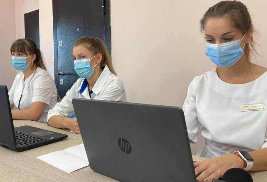 В Одесском аэропорту открыли центр массовой вакцинации (фото) «фото»