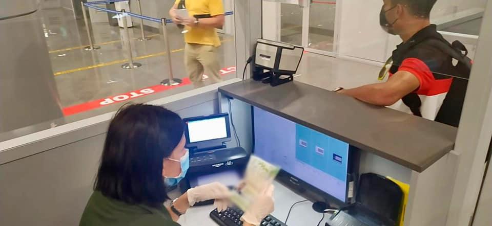 Продали все, чтобы купить поддельный паспорт: в Одессе задержали гражданина Турции (фото) «фото»
