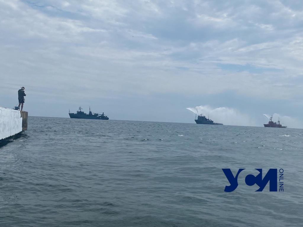 Последние приготовления: у берегов Одессы проходит репетиция морского парада (видео) «фото»