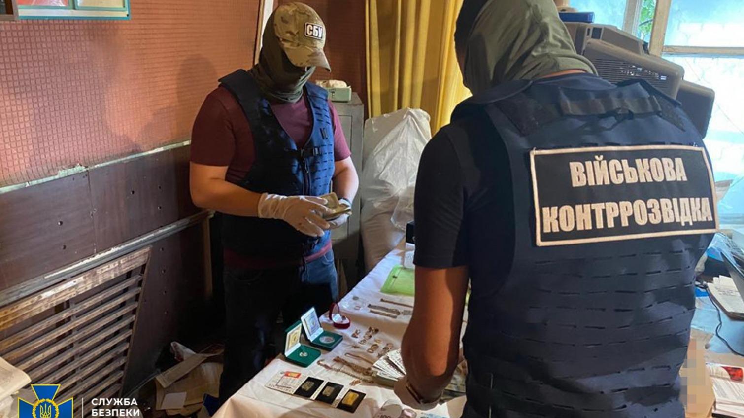 Брали плату даже золотом: одесские чиновники Минобороны наживались на сдаче складов (фото) «фото»