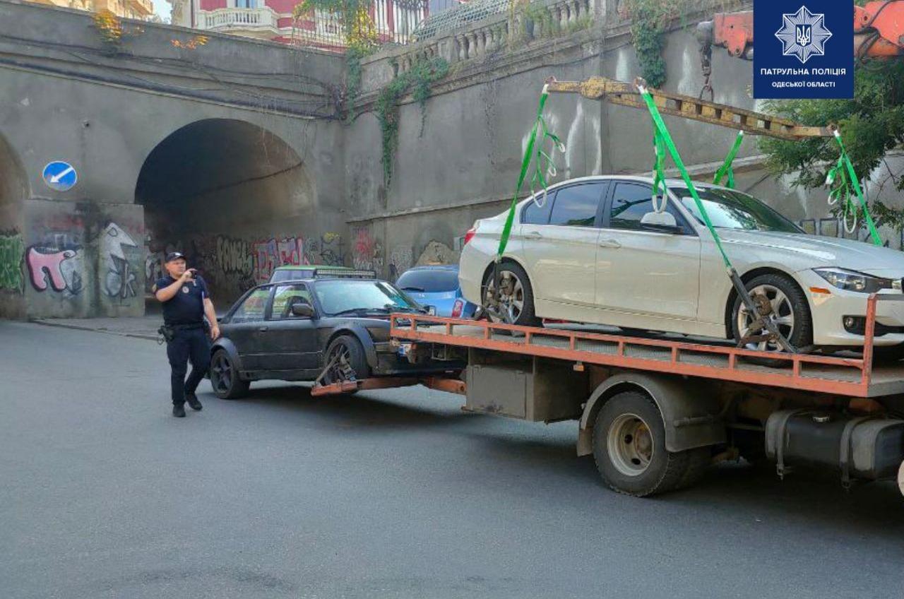 Додрифтовался: в Одессе задержали уличного гонщика (фото) «фото»