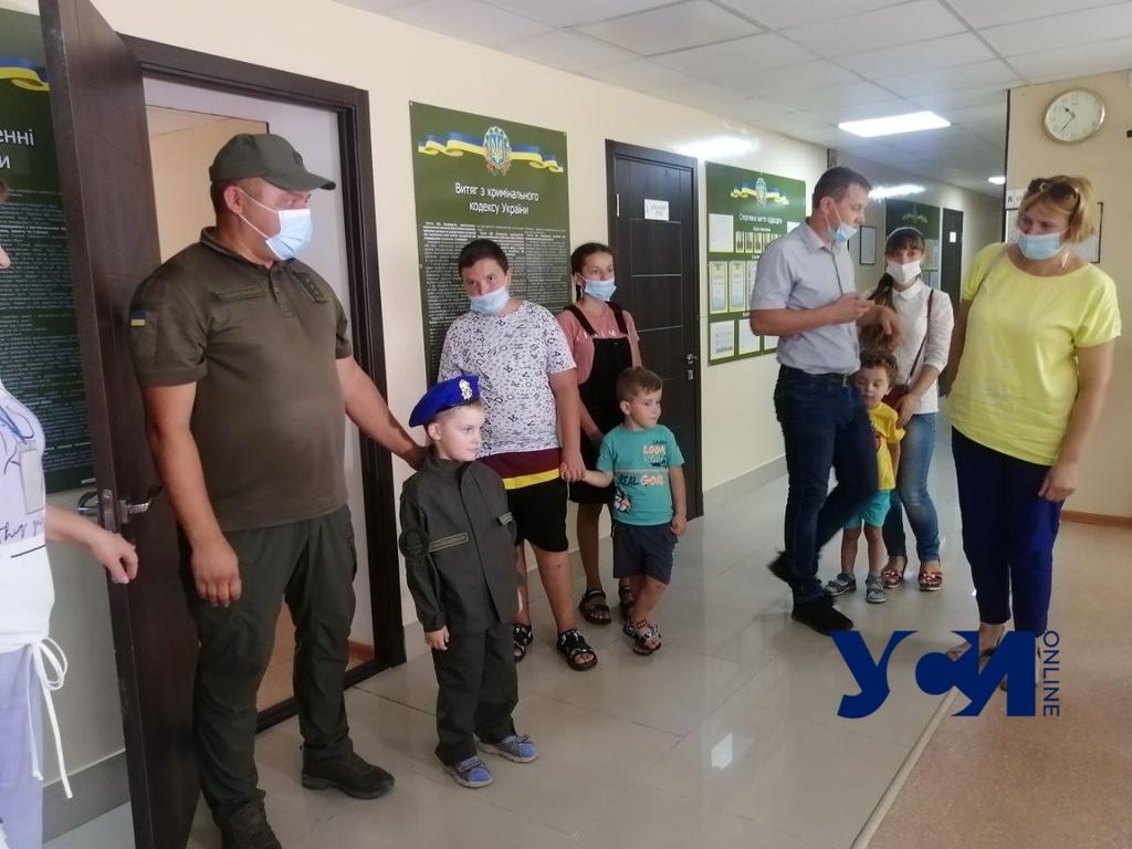 Мечта Ильи: 5-летний брат погибшего нацгвардейца побывал в воинской части в Одессе (фото) «фото»