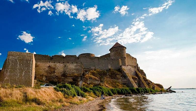 Аккерманская крепость продолжает разрушаться: надежда на Кабмин (аудио) «фото»