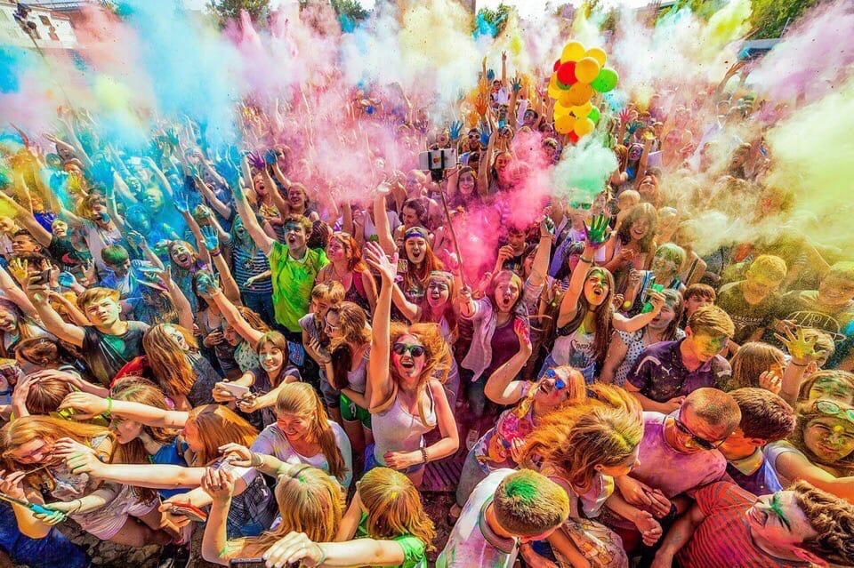 Позитив и яркие краски: в Одессе проведут масштабный ColorFest «фото»