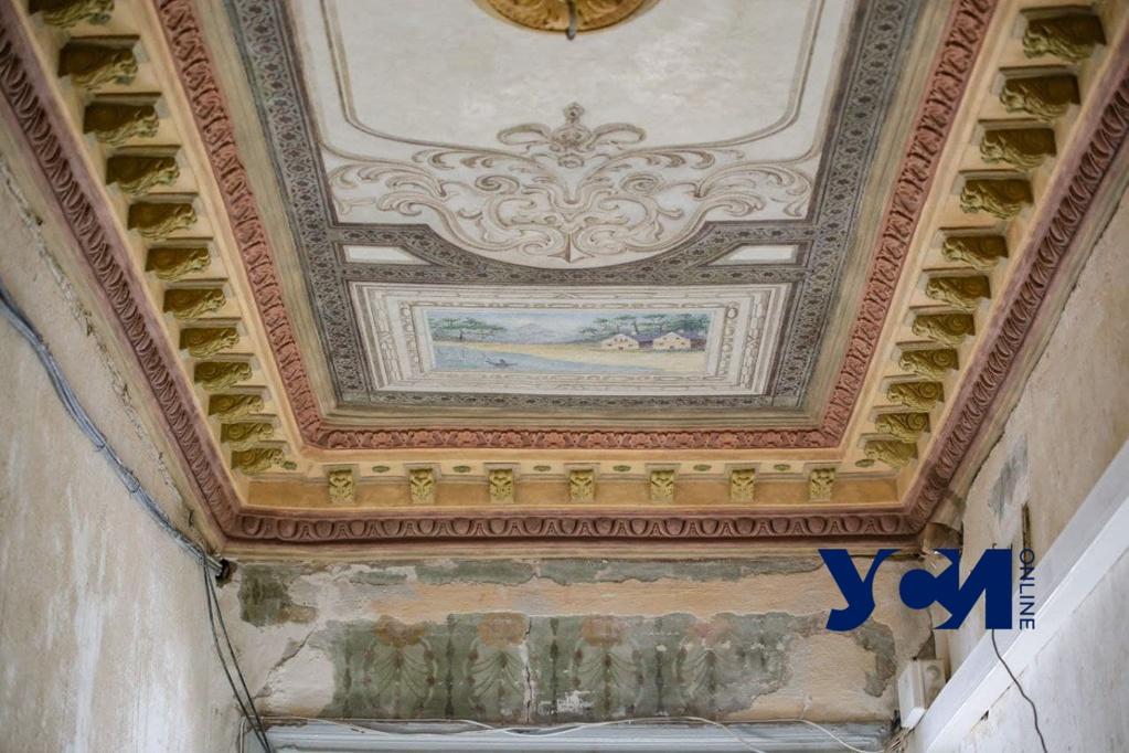 Реставрация уникальной росписи в центре Одессы вышла на финишную прямую (фото) «фото»