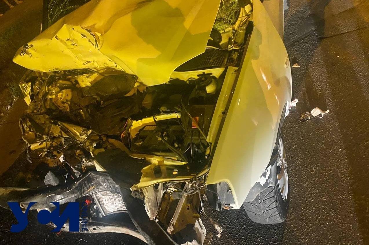 Ночью на Черемушках произошло ДТП: пострадавшие в больнице (фото) «фото»