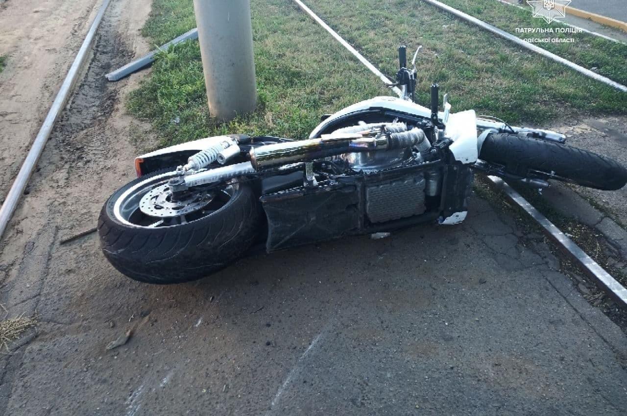 В ДТП у Толбухина пострадал мотоциклист на «Харлее» (фото) «фото»