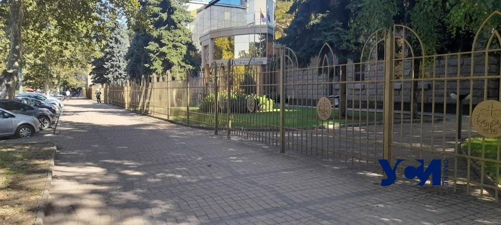 В Одессе заминировали Хозяйственный суд (фото) Обновлено «фото»