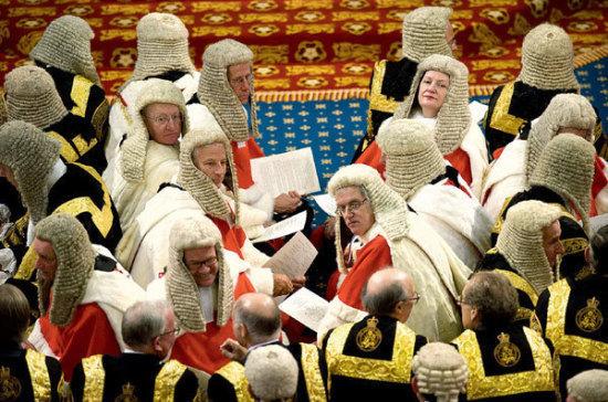 Как одеваются члены украинского парламента «фото»