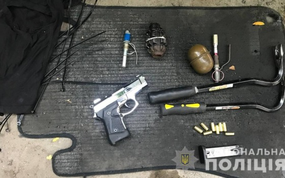 В Болградском районе задержали мужчину с оружием и боеприпасами (фото, видео) «фото»