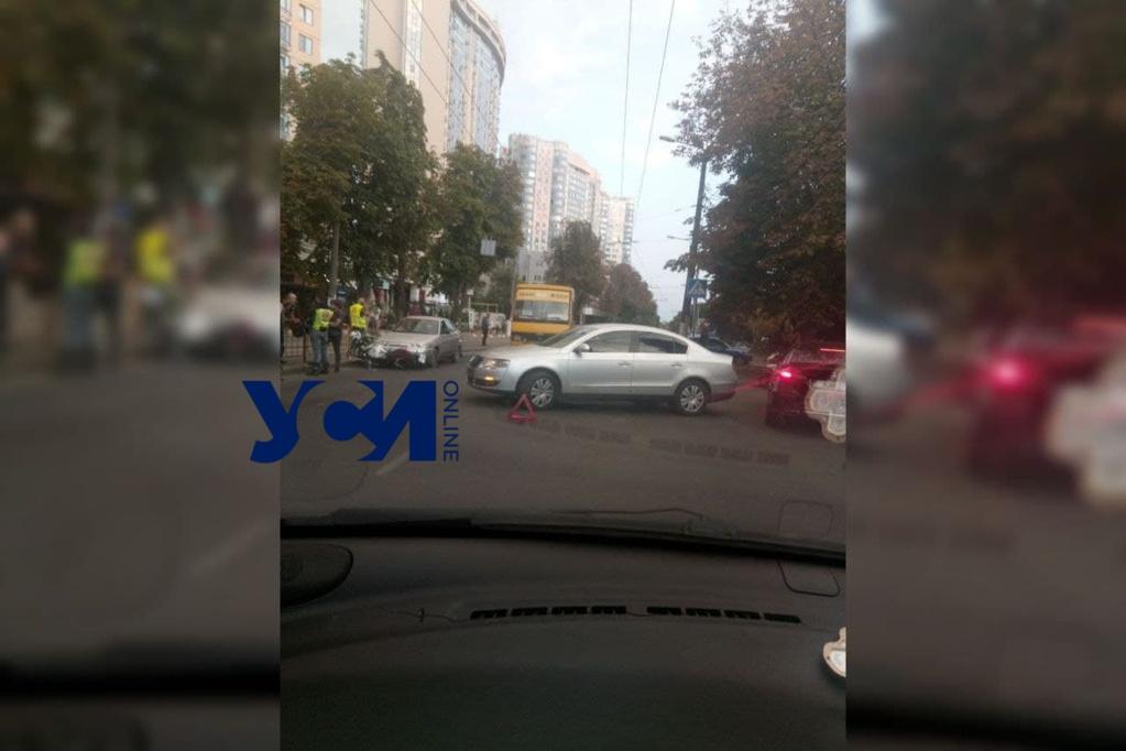 В районе Аркадии сбили мотоциклиста, возникла пробка «фото»