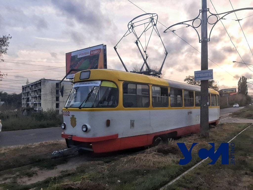 В Черноморке сошел с рельсов трамвай (фото) «фото»