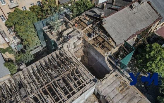 В Одессе продолжают уничтожать то, что осталось от старинной типографии (фото, видео) «фото»