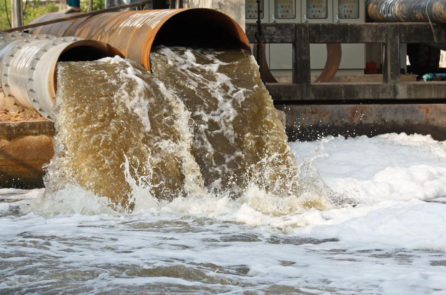 Три миллиона на сточных водах хотели заработать чиновник и двое частников из Одесской области «фото»