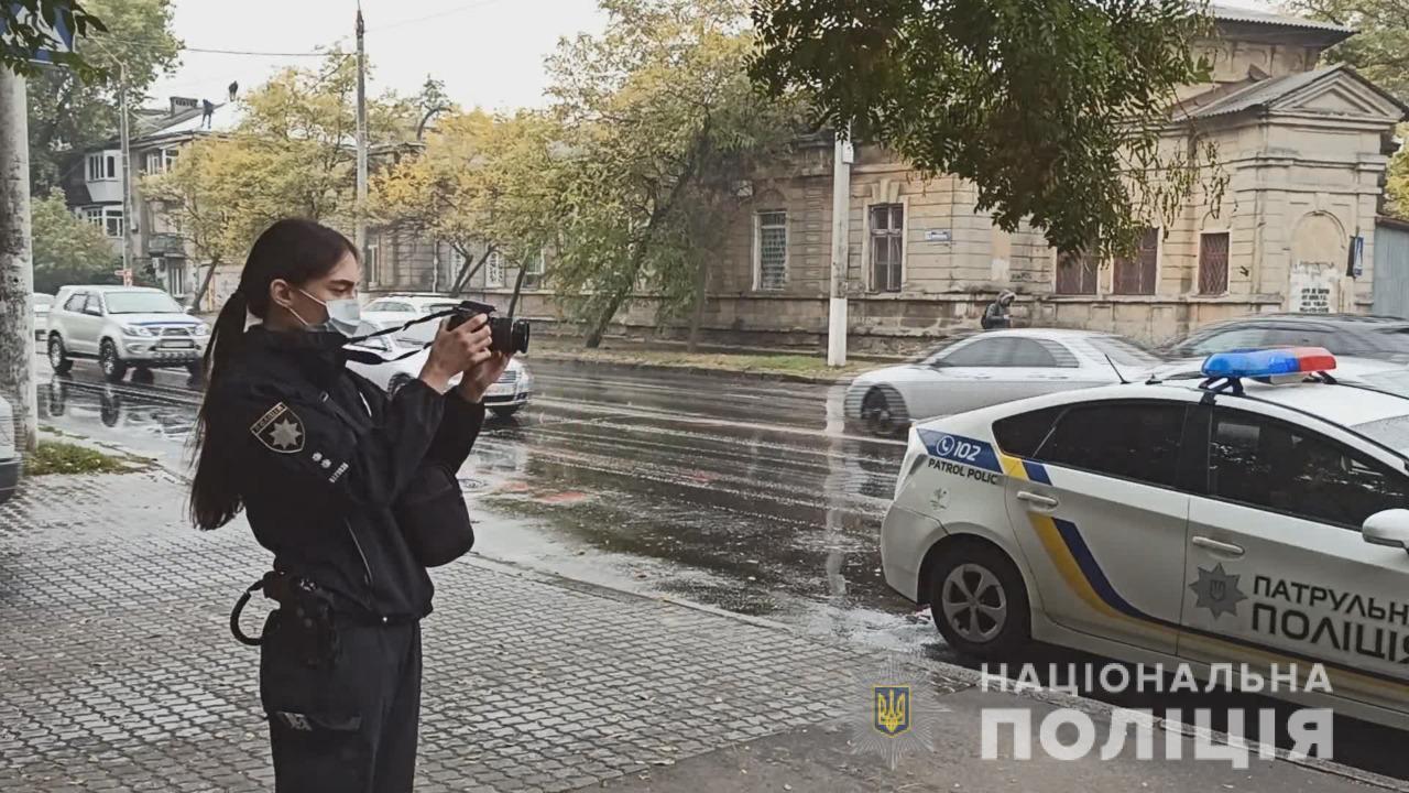 В центре Одессы иностранец изрезал девушку с парнем (фото, видео) «фото»