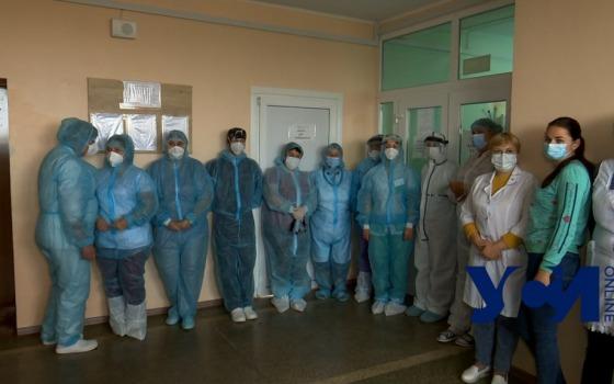 Пациенты лежат в коридорах, медики теряют сознание: Беляевская ЦРБ работает на грани (фото) Обновлено «фото»