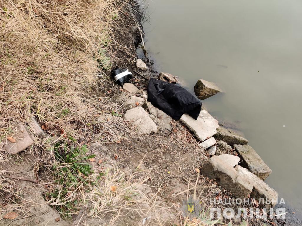 В Измаиле женщина убила друга и кинула тело в канал (фото) «фото»